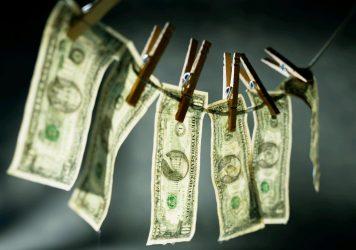 bani-ilegali-356x250.jpg
